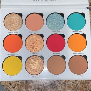 Give Me Glow Cosmetics Summer Vibes Palette